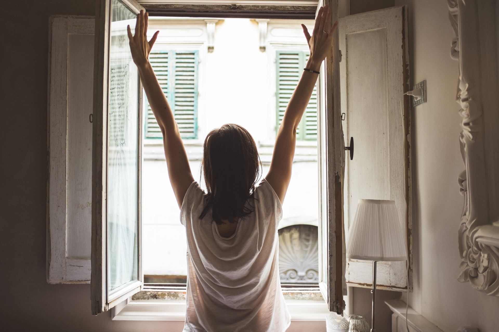 Frau, Fenster, Motivation